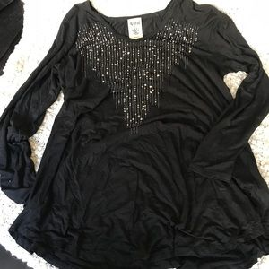 Vocal black studded tunic long sleeves, super soft